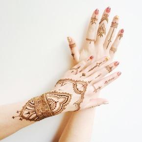 Henna Hands.
